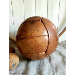 Oude medicijnbal